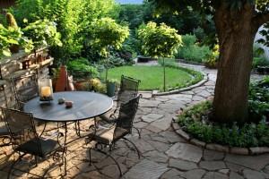 landscaped-yard-slate-pad-web